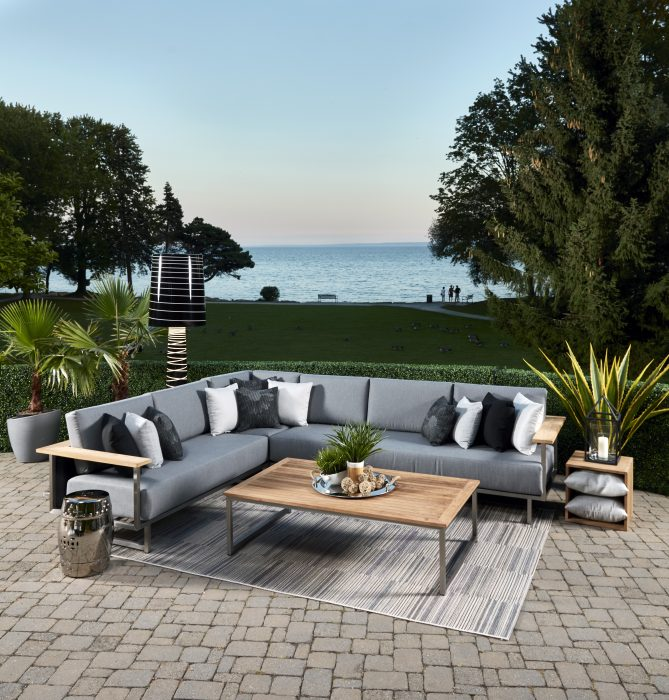 X9 Sectional