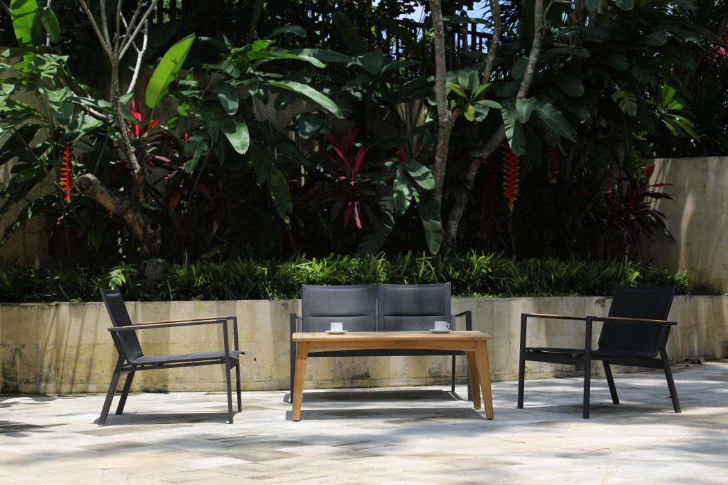 La Paz Deep Seating and Aspen Coffee Table