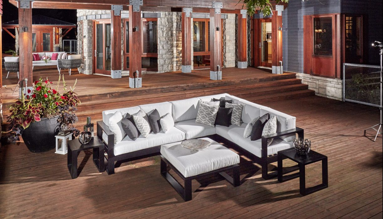 Nevis Sectional in Black