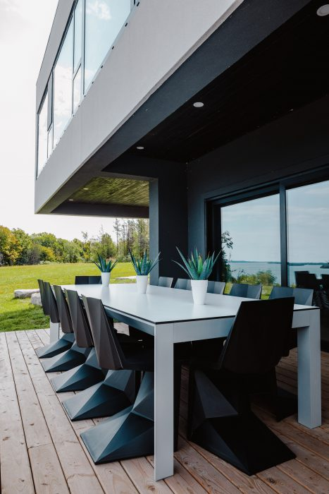 VONDOM Frame Dining Table and Voxel Dining Side Chairs