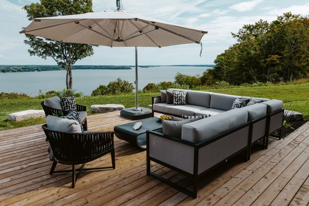 Madrid Sectional in Black with Canvas Aluminum Accent Club Chairs