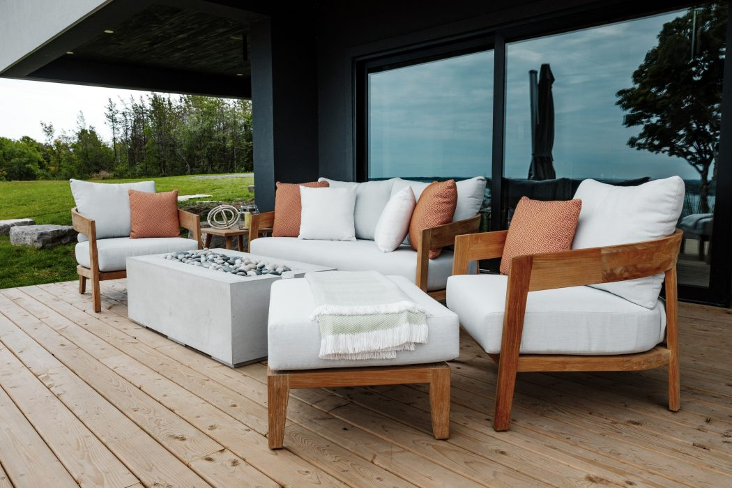Bayside Deep Seating Set with a DEKKO Avera 48