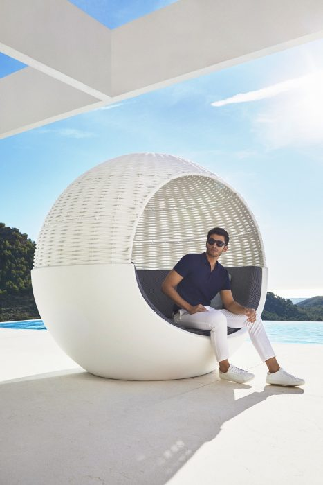 VONDOM Moon Daybed with Canopy