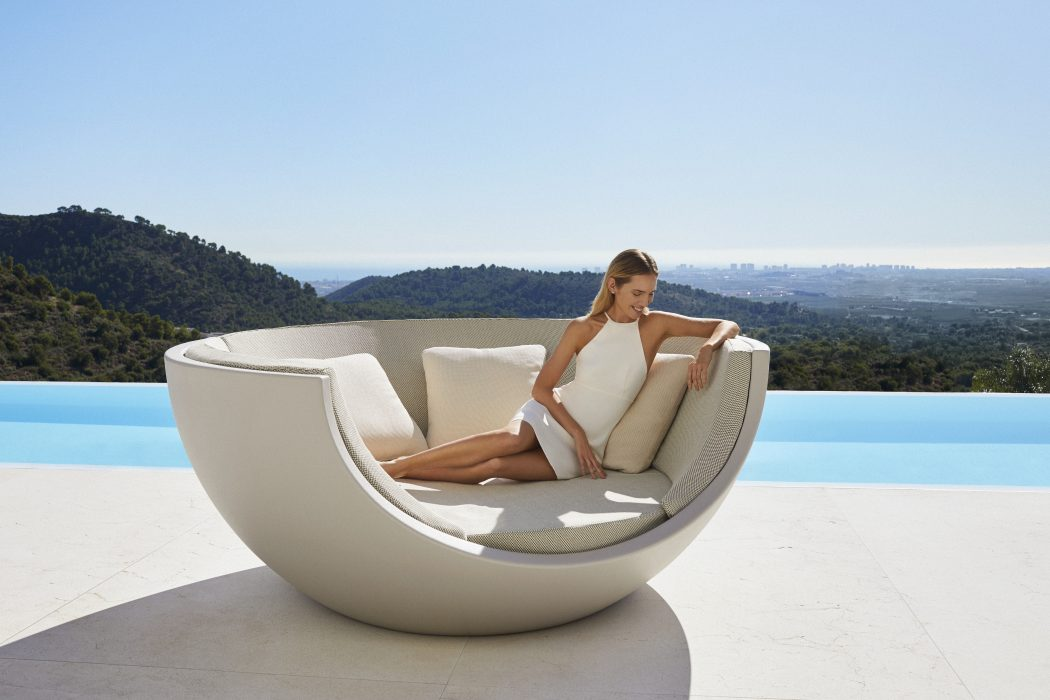 VONDOM Moon Daybed without Canopy