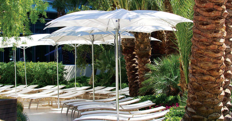 TUUCI Ocean Master Crescent Umbrella