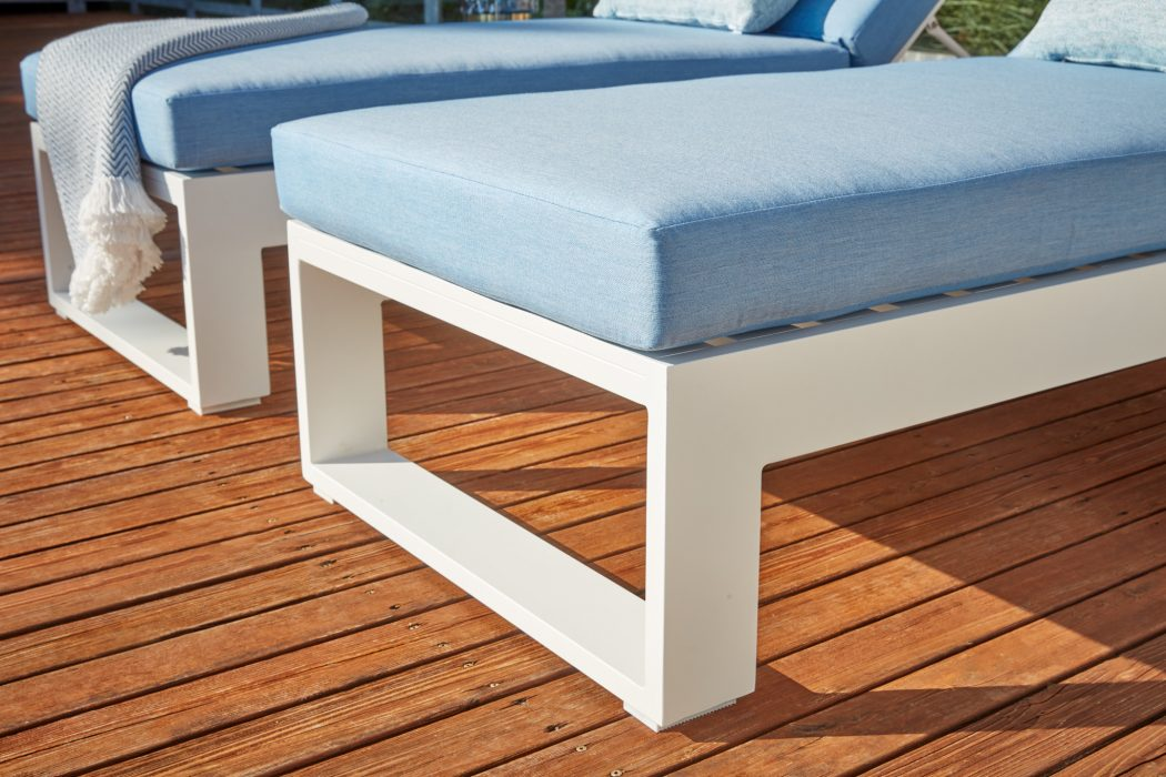 Nevis Chaise Lounge
