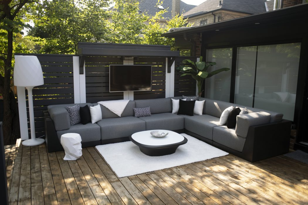 VONDOM PIxel Sectional in Black and UFO Coffee Table