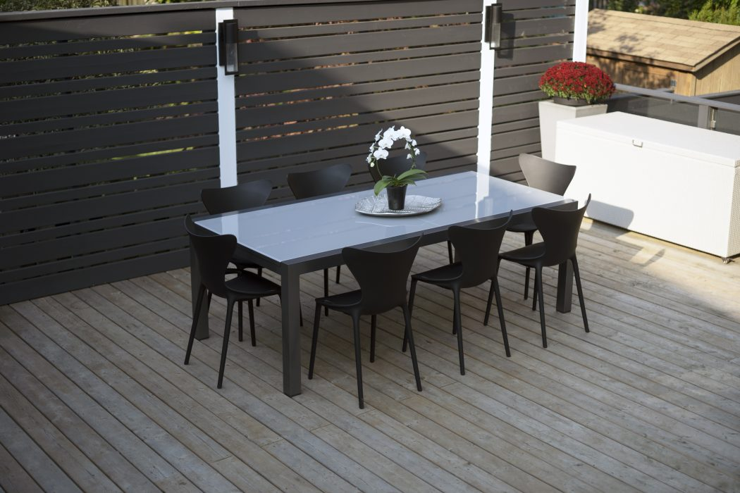 Marlo Extension Dining Table and VONDOM Love Dining Side Chairs
