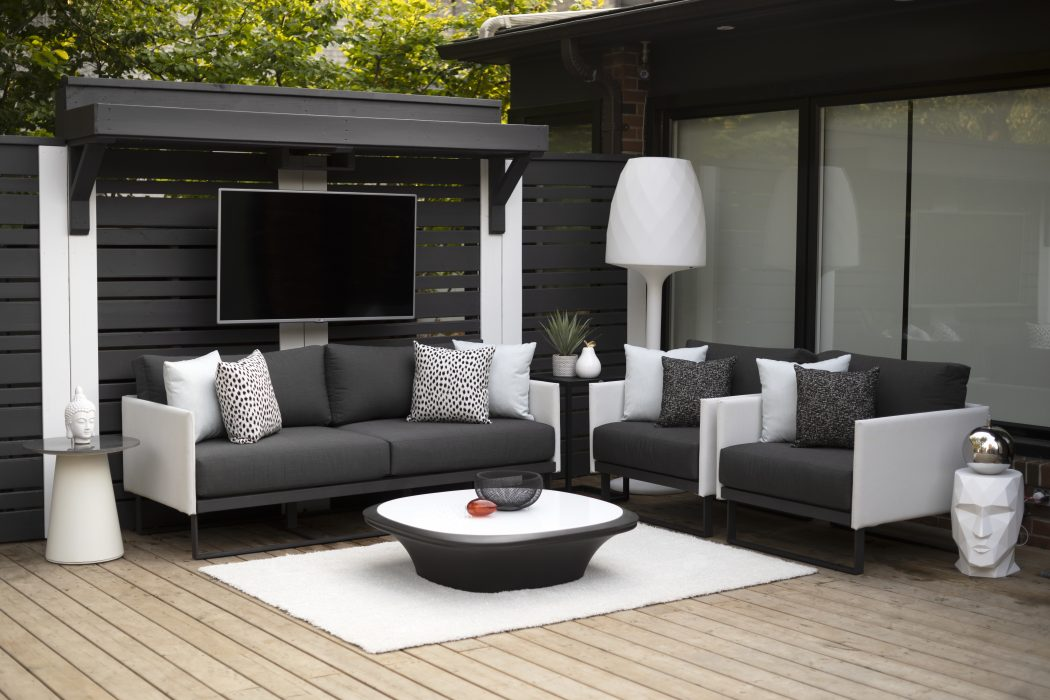 Suave Deep Seating with VONDOM UFO Coffee Table