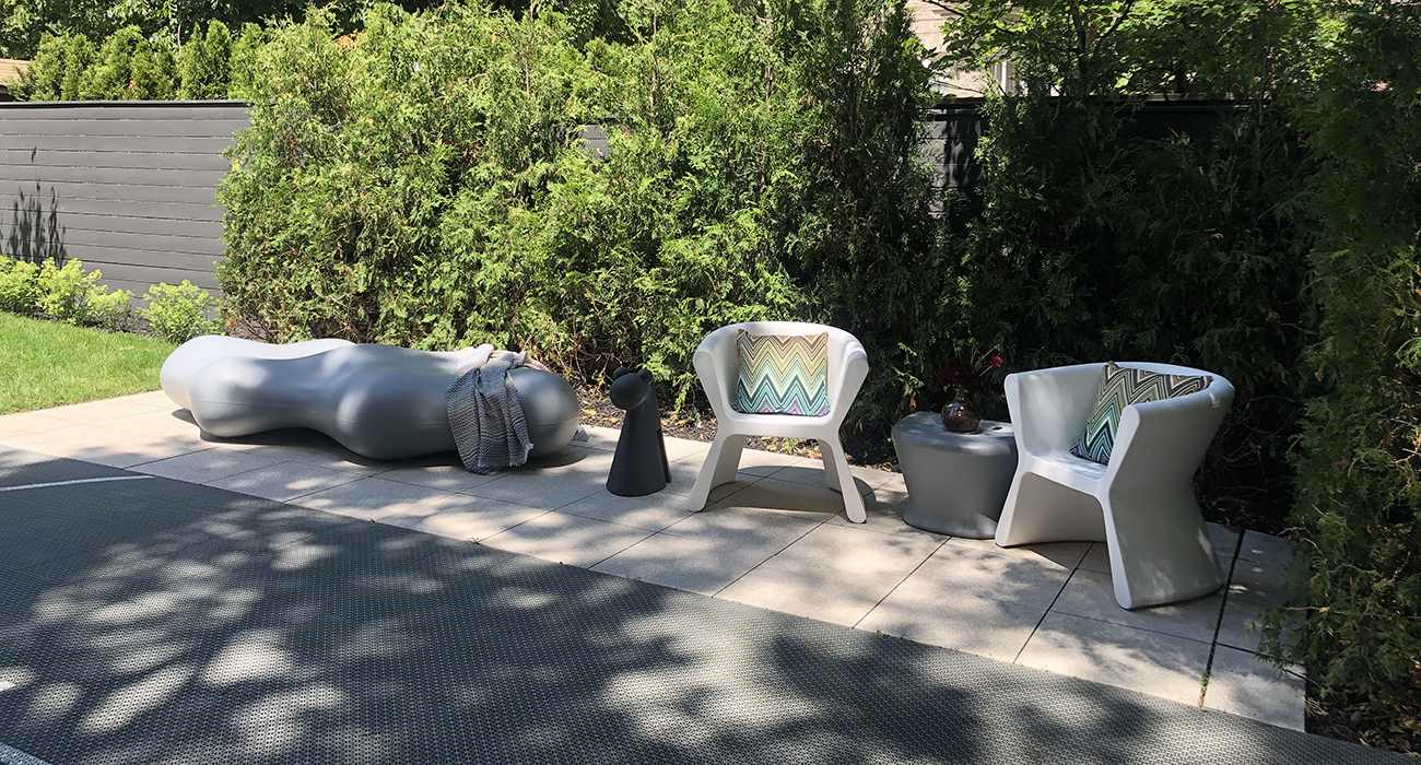 VONDOM Pal Arm Chair and Lava Bench