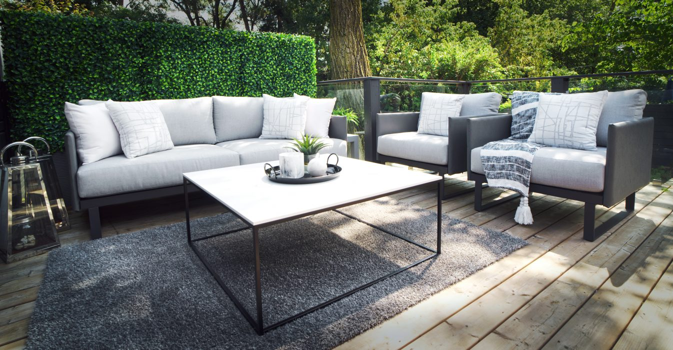 Suave Deep Seating Set in Dark colourway with VONDOM Suave Coffee Table