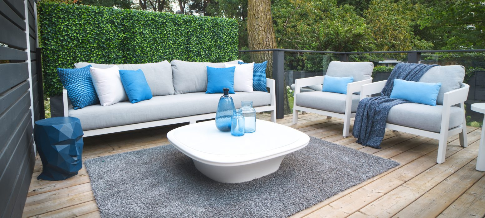 Vento Deepseating in White with VONDOM UFO Coffee Table
