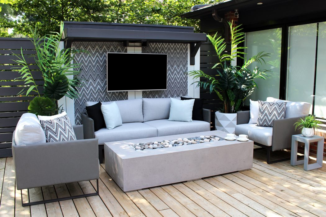 Suave Deep Seating Set in Dark colourway with Sonoma Fire Pit