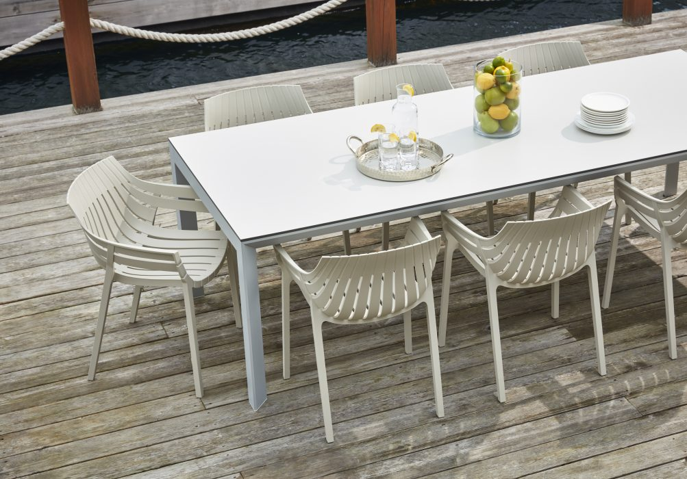 VONDOM Frame Dining Table with Spritz Dining Arm Chairs in Ecru